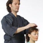 Qu'est-ce que le Reiki ? Définition, formation et livre