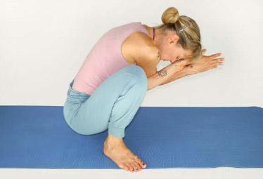 Posture Yin Yoga Guirlande Malasana