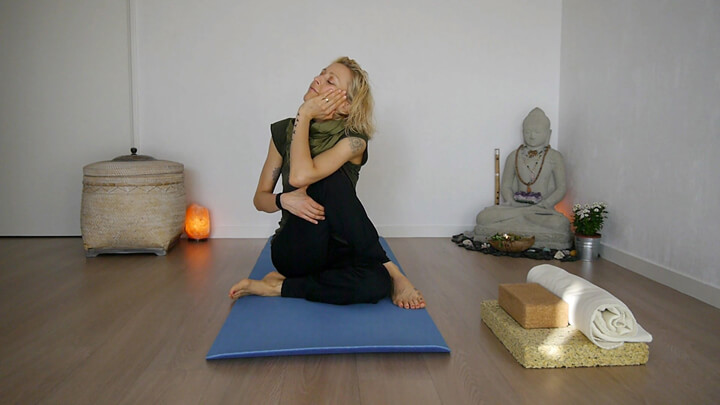 Yin Yoga Online Training mit Jane